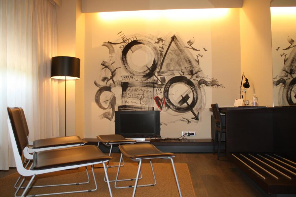 Art hotel udine udine book your hotel with viamichelin for Designhotel udine