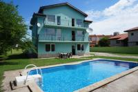 Angelinas Villa with Private Pool, Apartmány - Bozhurets