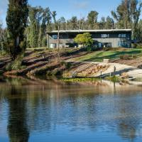 Saladin Lodge, Bed and breakfasts - Narbethong