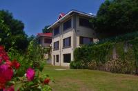 Hilltop Bed and Breakfast, Bed and Breakfasts - Mambajao