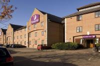 Premier Inn Guildford North - A3, Hotels - Guildford