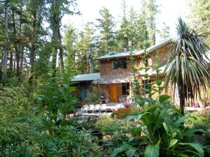 Photo of Clayoquot Cedar House