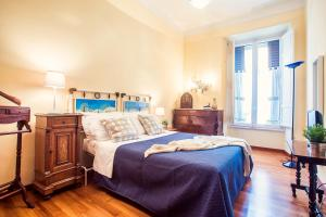 2 Bedroom Apartment Via Venezia - AbcRoma.com
