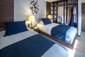 Executive Twin Suite with Two Twin Beds