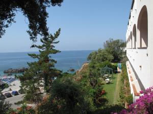 Grand Hotel De Rose, Hotels  Scalea - big - 5