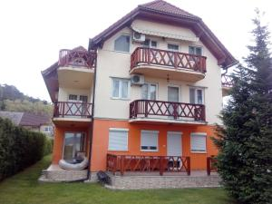Apartment Szentmihályi, Apartments  Balatonboglár - big - 4
