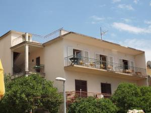 Capt.Krzanic, Apartments  Podgora - big - 4