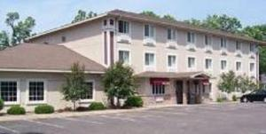 Budget Host Inn &amp; Suites North Branch