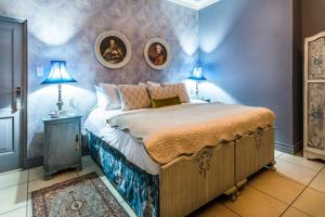 Luxury Double or Twin Room- Blue Moon