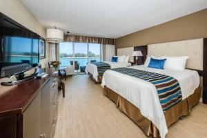 Beach View Double Queen Room with Balcony