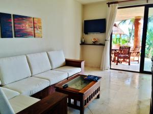 Two-Bedroom Apartment with Sea View - First Floor