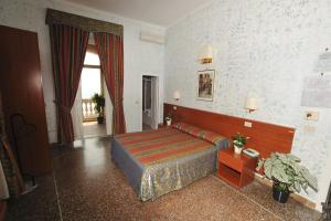 Hotel Miramare, Hotely  Ladispoli - big - 14