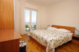 Capt.Krzanic, Apartments  Podgora - big - 6