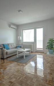 Danvisual Apartment 4, Apartmány  Novi Sad - big - 10