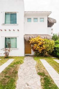 Three Bedroom Home - Walk to Beach & Pool, Dovolenkové domy  Playa del Carmen - big - 35