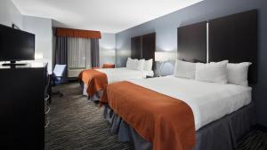 Queen Room with Two Queen Beds - Mobility/Hearing Access