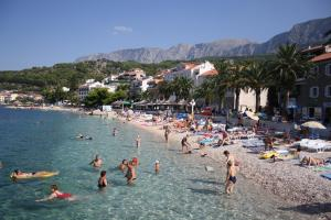 Capt.Krzanic, Apartments  Podgora - big - 13