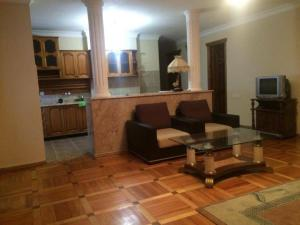 Apartment Khimshiashvili Street 27, Pensionen  Batumi - big - 3