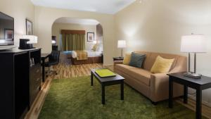 King Suite with Sofa Bed - Disability Access - Non smoking