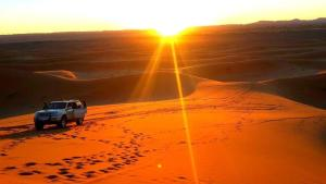 Camel Bivouac Merzouga, Luxury tents  Merzouga - big - 53
