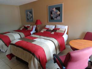 Family Suite with Two Double Beds - Non-Smoking