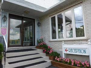 Motel Belle Riviere, Motely  Saint-Jean-sur-Richelieu - big - 1