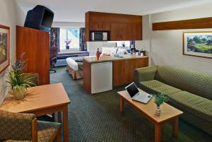 Microtel Inn & Suites by Wyndham Brunswick, Hotely  Brunswick - big - 6