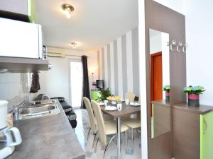 Apartment Aquanur.6, Appartamenti  Tribunj - big - 2