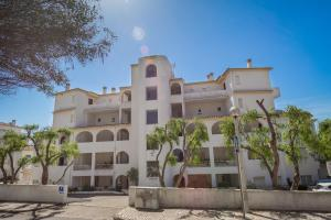 2 Bedroom Apartment With Ocean Views, Apartments  Luz - big - 12