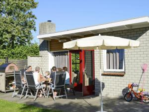 Holiday Home Brouwersdam.5, Holiday homes  Ouddorp - big - 9