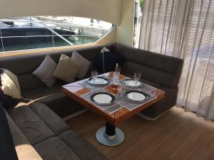 Melyana Yacht, Botely  Beaulieu-sur-Mer - big - 5