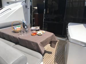 Melyana Yacht, Botely  Beaulieu-sur-Mer - big - 13