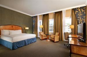 Double Hilton Executive Room with Lounge Access