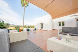 Stunning Villa with Mountain Views - Los Campitos, Villák  Estepona - big - 13
