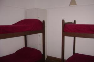 Single Bed in Dormitory Room (5 Adults)