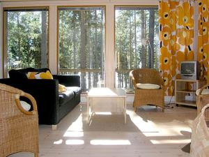Holiday Home Marielund 4, Holiday homes  Sirnäs - big - 3