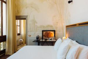 Deluxe Double Room with Cathedral View