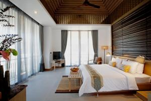 Mandarava Resort and Spa, Karon Beach - 18 of 37