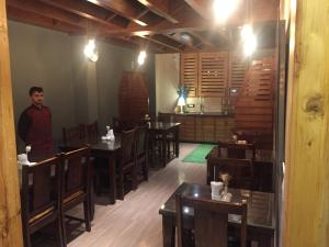 The Bodhi Tree B&B, Bed & Breakfasts  Shimla - big - 24