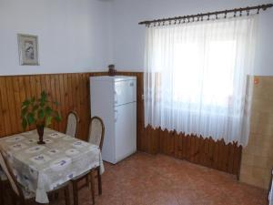 Apartment Ugljan 13764a, Appartamenti  Ugljan - big - 11
