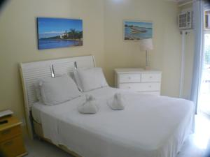Superior One-Bedroom Apartment (2 Adults + 2 Children)
