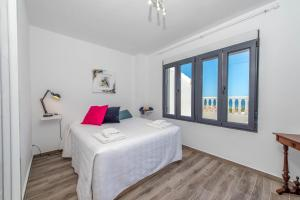 Bennecke Lone, Villas  Torrevieja - big - 52