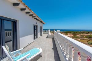 Bennecke Lone, Villas  Torrevieja - big - 38
