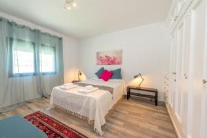 Bennecke Lone, Villas  Torrevieja - big - 15