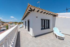 Bennecke Lone, Villas  Torrevieja - big - 11