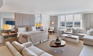 King Studio Suite with City View