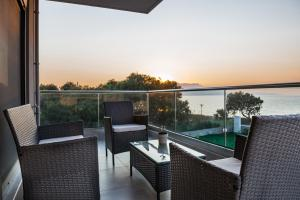 Niovi Seaside Suites, Apartmány  Kissamos - big - 20