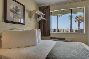 Deluxe Double Room with Water View