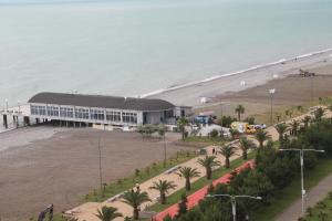 J.R Apartment in the sea, Apartmány  Batumi - big - 35