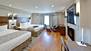 Deluxe Two-Bedroom Suite